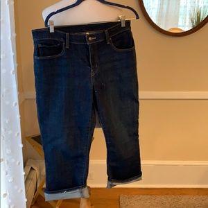 Levi's Women's Capri Jeans in 14 (32) EUC!
